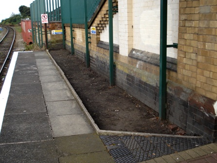 West end of Wigan platform at Walkden before FOWS built a flower bed.