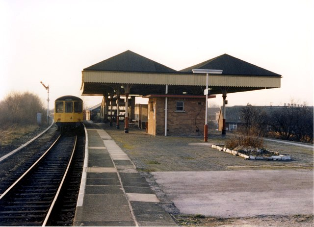 A view on Walkden station platform in February 1989 (by kind permission of Peter Whatley).