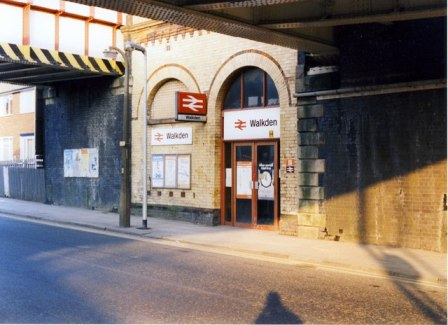 The street entrance in 1989 (by kind permission of Peter Whatley).